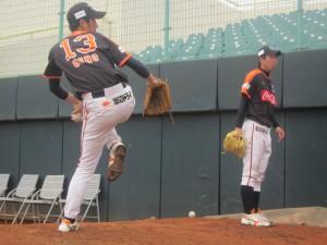 向かって右:佐藤 左:上野