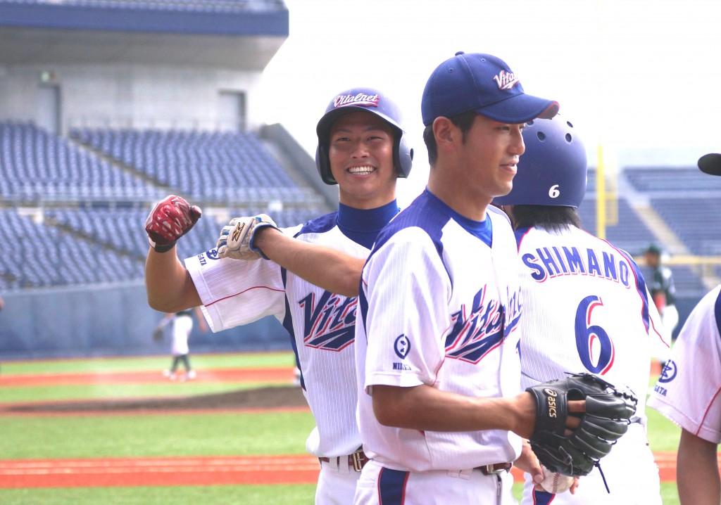 3回裏 バイタル・丸山満塁本塁打③